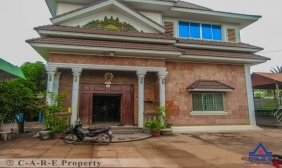 Six Bedroom House For sale