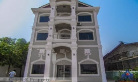22 Rooms Guesthouse For Rent