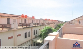 2 Bedrooms Flat For Sale