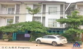 5 Bedrooms Flat For Sale