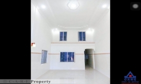 5 Rooms Flat For Sale
