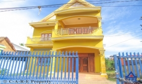 6 Bedrooms House For Sale