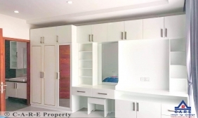 Flat 2 bedrooms For Rent In Town