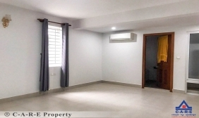 8 Rooms Flat For Rent
